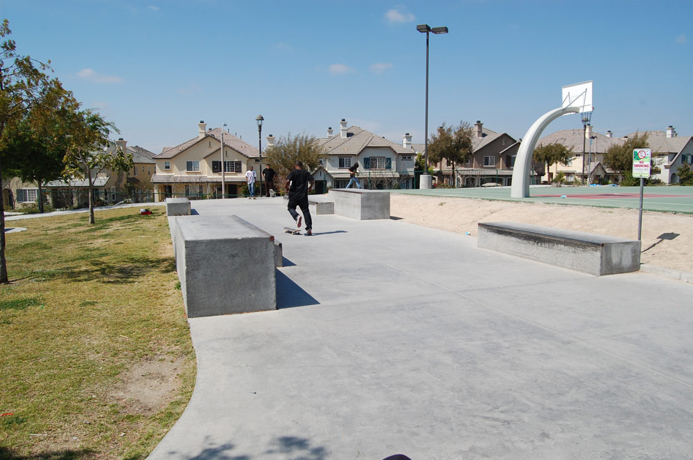 Skating ledges in Chula Vista